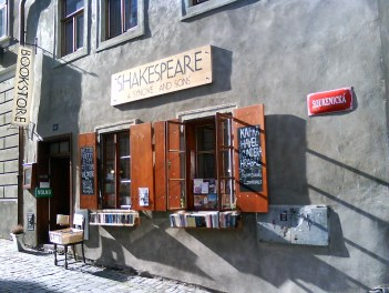 Shakespeare and Sons, Český Krumlov